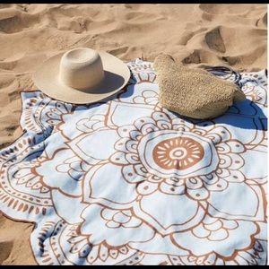 Vix Paula Hermanny Lotus Towel